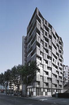 Edificio de 68 viviendas, locales comerciales y aparcamientos