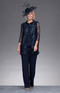 This three piece trouser suit features wide leg palazzo trousers. Mother Of The Groom Trouser Suits, Mother Of The Bride Suits, Mother Of Bride Outfits, Mom Outfits, Dressy Tops For Wedding, Wedding Outfits For Groom, Wedding Pantsuit, 60 Fashion, Dressy Dresses