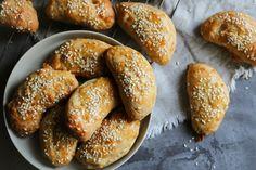 Sticky Buns, Greek Recipes, Pretzel Bites, Biscotti, Food Processor Recipes, Tart, French Toast, Deserts, Rolls
