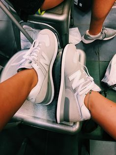 15 Sneakers To Add To Your Wardrobe This Spring - Schuhe - Mode Schuhes Cute Sneakers, Dad Sneakers, Chunky Sneakers, Best Sneakers, Cute Shoes, Me Too Shoes, Adidas Sneakers, Crazy Shoes, Sneaker Store