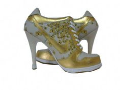 These are mean Gold Nike heels! 95d3b841e