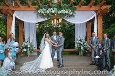 Beautiful wedding at the Hanalei Courtyard at Crowne Plaza San Diego Hanalei
