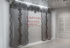 """Exposición """"Balenciaga a través del Encaje"""" / """"Balenciaga Parpailan b... - Hiruki studio"""