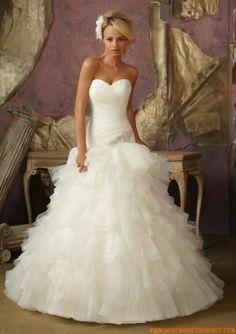Robe de mariée col coeur organza perles