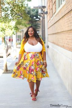 trendycurvy: Coming Up Roses Outfit details on. Looks Plus Size, Curvy Plus Size, Moda Plus Size, Plus Size Fashion For Women, Plus Size Womens Clothing, Clothes For Women, Size Clothing, Clothing Sites, Clothing Patterns