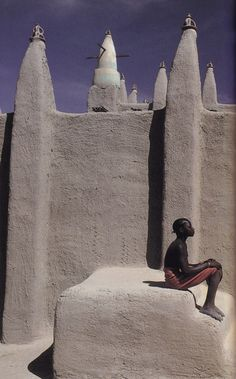 in Mali, photographed by Maggie Steber for Beyond The Horizon published by National Geographic Society, 1992 Africa African Culture, African History, African Art, We Are The World, People Around The World, Wonders Of The World, Out Of Africa, West Africa, Vernacular Architecture