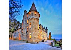 Write your book in a castle: share to win one month free stay!