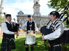 Dunedin Pipe Band is playing at Duffy's! 3/16