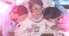 Le AXE BOAT t'envoie dans l'espace