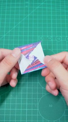 Shark Corner Bookmark Origami for Kids Instruções Origami, Paper Crafts Origami, Diy Paper, Paper Crafting, Origami Boxes, Dollar Origami, Origami Bookmark, Oragami, Diy Crafts Hacks