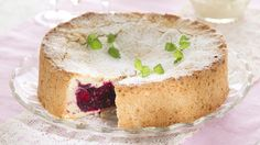 Have to try someday. Ranskalainen marjakakku - K-ruoka Berry Cake, Sweet Recipes, Tart, Berries, Cheesecake, Deserts, Baking, Food, French