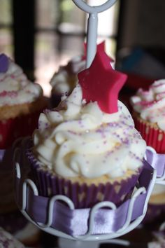Pink and Purple cupcakes...Had fun doing them:)