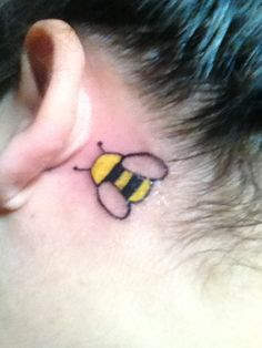 bumble bee tattoo designs for women bumble bee tattoo bumble bees . Up Tattoos, Cool Tattoos, Tatoos, Bumble Bee Tattoo, Tattoo Designs For Women, First Tattoo, Body Mods, Tatting, Piercings