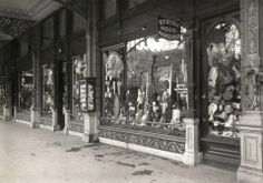 Resterende winkelgalerij van het Paleis voor Volksvlijt, jaren vijftig.