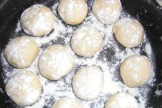 KARDITSAS.BLOG: Δίπλες φούρνου: Παραδοσιακή συνταγή Καρδίτσας ♥ Hamburger, Bread, Blog, Brot, Blogging, Baking, Burgers, Breads, Buns