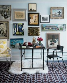 Home office with gallery wall art display. Manhattan apartment designed by Jonathan Adler. Decor, Apartment Inspiration, Elle Decor, Apartment Design, Interior Design, Interior Spaces, Home Decor, House Interior, Room