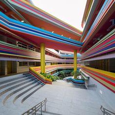 Escola ganha cores do arco-íris, em Singapura