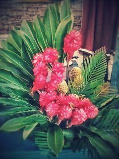 Un hermoso florero tropical