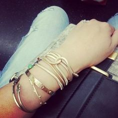 #chloeandisabel #armparty on the #nyc #subway Shop this look with these links: http://awe.sm/jFRVx  http://awe.sm/p1V4C   http://awe.sm/r1UoA