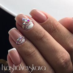 Having short nails is extremely practical. The problem is so many nail art and manicure designs that you'll find online Fancy Nails, Love Nails, Pretty Nails, Bride Nails, Wedding Nails, Nail Manicure, Diy Nails, Nagel Bling, Luxury Nails