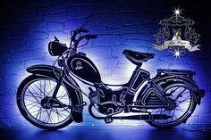 Beleuchtetes Edelstahl Wandschild nach Vorlage vom eigenem Motorrad.