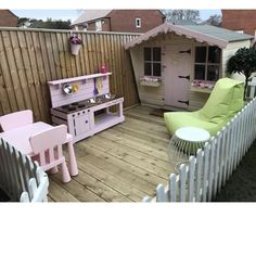 Look how picture perfect this garden is?! The perfect new home for our pink kitchen- I'm not sure if even I would want to add mud …