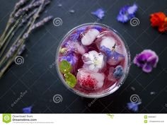 We love using edible flowers in drinks and freezing them in ice cubes to make an ordinary drink seem over the top special. Chilled Soup, Creative Colour, Cake Toppings, Edible Flowers, Refreshing Drinks, Acai Bowl, Blueberry, Raspberry, Frozen