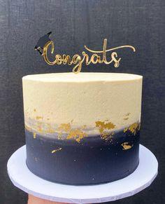 Graduation Cake Designs, Graduation Cake Toppers, Graduation Cookies, Graduation Party Decor, College Graduation, Cakes For Graduation, Sweet 16 Birthday Cake, White Birthday Cakes, Bolo Harry Potter