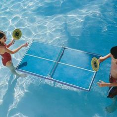 Play a challenging game of table tennis right in your own pool with the Floating Table-Tennis Set. Summer Fun, Summer Time, Les Inventions, My Pool, Pool Fun, Table Tennis Set, Floating Table, Writing Pictures, Cool Pools