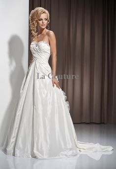 Magnificent Wedding Dress for a fairytale by AtelierLaCouture, €1899.00