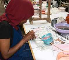 Bemalung der Kazuri Beads