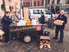 Suppenbus und Gulaschkanone der Heilsarmee in Amsterdam.