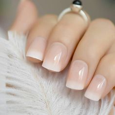 Baby Boomer Nails is the new modern French manicure - living .- Babyboomer Nails is the new modern French manicure short ombre french nails - Short French Nails, Ombre French Nails, Short Nails, French Manicure Gel Nails, French Tip Acrylic Nails, Nail French, French Art, Stiletto Nails, Natural Fake Nails