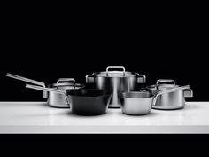Šie dažādo izmēru izstrādājumi domāti cilvēkiem, kuriem patīk kvalitatīvi gatavot. Tools līnija, kas izveidota, izmantojot pieredzēm bagātu pavāru vērīgumu un ziņas, sniedz plašu virtuves piederumu izvēli, sniedzot acij patīkamu dizainu, atvieglojot ēdiena gatavošanu un servēšanu. Piemērots visām plītīm. Šos priekšmetus varat atrast Iittala veikalā Rīgā Aspazijas ielā 24 vai interneta veikalā www.ginalasinterjers.lv