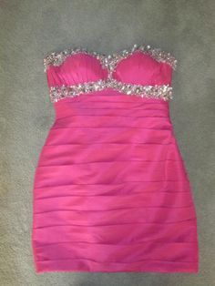 www.pageantresale.com - Check the beading on this stunning cocktail dress by Tony Bowls.  Click for more details or to contact the seller.  Have something to sell?  Visit www.pageantresale.com to get started.  #tonybowls #pageantcocktail #pageantresale