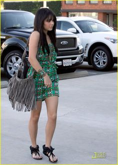 ADORE HER<3  I love her great boho style...crazy over her entire outfit!