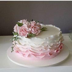 fondant birthday cakes for women fun Elegant Birthday Cakes, Birthday Cake With Flowers, Birthday Cakes For Women, Elegant Cakes, Birthday Cake For Women Elegant, Cake Birthday, Cake Decorating Designs, Wilton Cake Decorating, Cake Decorating Techniques
