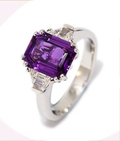 rings dimond | Description About Purple Sapphire and Diamond Engagement Rings