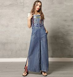 Rochia de blugi este un must-have. Kalimeramark.ro este o stare de bine. Fii deosebita, indrazneste! #rochii #rochiidenim Fii, Jeans, Overalls, Denim, Fashion, Everything, Moda, Fashion Styles, Jumpsuits