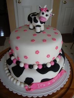 Trendy baby shower themes for girls cowgirl cow print 47 Ideas Cow Birthday Cake, Cow Birthday Parties, Cowgirl Birthday, Farm Birthday, Baby Shower Cakes, Cow Baby Showers, Baby Shower Favors, Baby Shower Themes, Cow Cakes