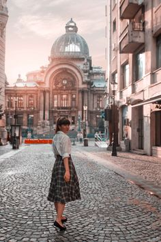 Where to find the most instagrammable places in Bucharest | walkcatwalk Main Attraction, Metro Station, World Of Books, Bucharest, Classical Music, Old Town, Travel Pictures, The Good Place, Midi Skirt