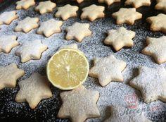 Nejlepší recepty na Vánoční cukroví   NejRecept.cz My Dessert, Dessert Recipes, Christmas Wrapping, Something Sweet, Christmas Cookies, Ham, Cheesecake, Food And Drink, Nutella