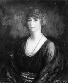 Portrait by Monro Mackie dated 1923  Noel Lucy Martha only daughter of Thomas Dyer-Edwardes of Prinknash, Glos. Married 1900, Norman Evelyn, 19th Earl of Rothes. They had 2 sons, Malcolm born 1902 and John born 1909. Her first husband died 1927 and she married 2ndly Col.Claud Macfie DSO, of the Seaforth Highlanders. She is remembered as a survivor of the Titanic disaster 1912 when it was said she behaved with conspicuous gallantry. She died 1956.