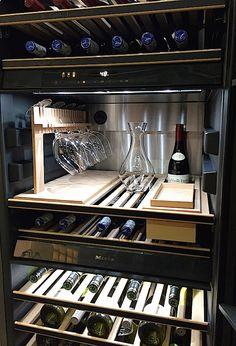 Avoir ton propre cellier à la maison t's been recently an additional wine-filled twelve months Wine Refrigerator, Wine Fridge, Cave A Vin Design, Küchen Design, House Design, Wine Cellar Racks, Wine Cellar Basement, Home Wine Cellars, Wine Cellar Design