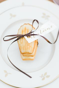 #place-cards, #madeleines  Photography: Caroline Lima Photography - carolinelimaphotography.com  Read More: http://www.stylemepretty.com/2014/01/02/rustic-winter-wedding-inspiration/