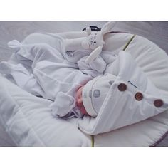 Find images and videos about cute, sweet and baby on We Heart It - the app to get lost in what you love. Newborn Baby Photos, Baby Boy Newborn, Cute Kids, Cute Babies, Ulzzang Kids, Shower Bebe, Korean Babies, Cute Baby Pictures, Baby Kind