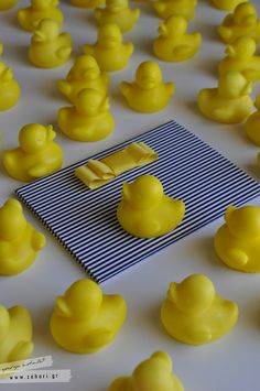 Πρόσκληση και σαπουνάκια (μπομπονιέρες) για βάπτιση με θέμα τα παπάκια.   Ducky Soap and invitation.