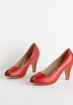 Play for Peeps Heel in Red. When you want to dress to impress, you mean business - and thats where these cherry-red peep toes come in. #red #modcloth