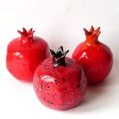 Ceramic pomegranates by Irina Pankovskaya