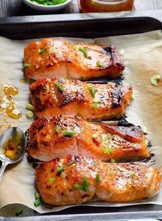 Baked Thai Salmon Recipe (crispy honey garlic salmon) -- 3 ingredient & 15 minute out of this world healthy dinner! Salmon Dishes, Fish Dishes, Seafood Dishes, Seafood Bake, Seafood Platter, Fresh Seafood, Thai Salmon Recipe, Skin On Salmon Recipes, Crispy Salmon Recipe